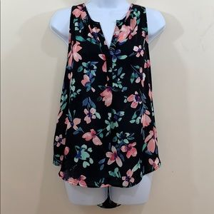 Candie's Floral V-Neck Sleeveless Shirt  Size M